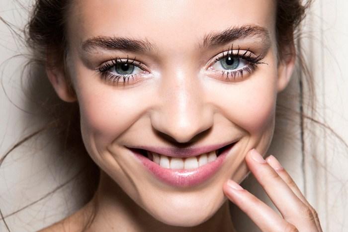 beauty-skin-care-2015-05-sensitive-skin-00_840_472 (1)